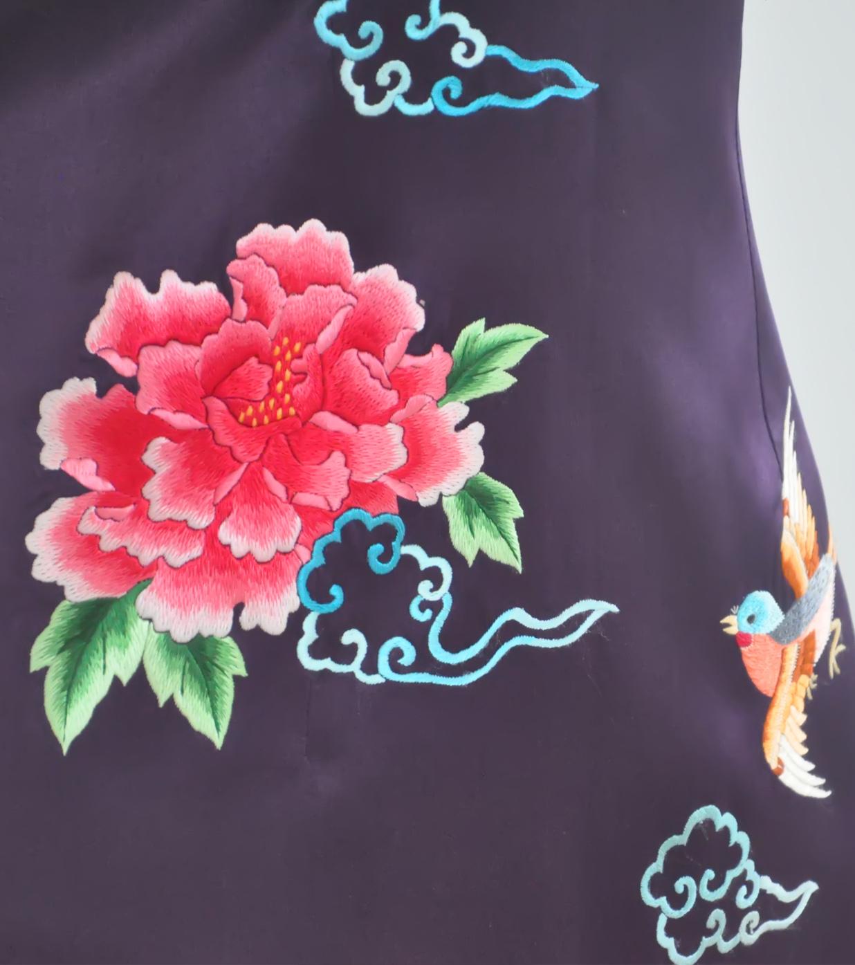 手绣花鸟纹样暗紫色素绉缎旗袍-苏绣旗袍-旗袍礼服